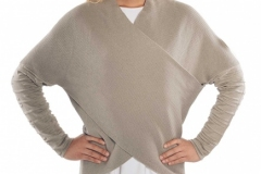 MBSTW021_Rey_Sweater_model_front